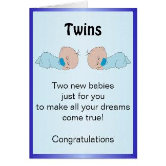 Gêmeos recém-nascidos do bebê cartão