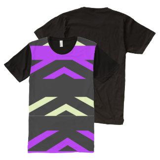 Geométrico por todo o lado na camisa do T dos