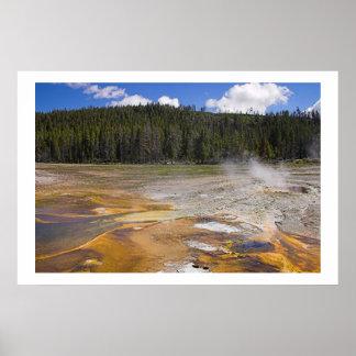 Geyser no parque nacional de Yellowstone Poster