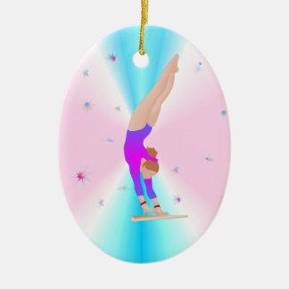 Ginástica - ornamento da menina da mosca