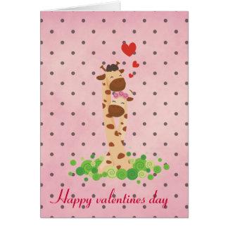 Girafa feliz do dia dos namorados cartão comemorativo