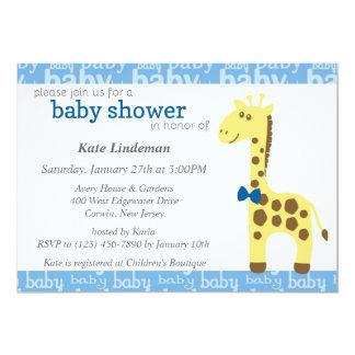 Girafa no chá de fraldas azul do arco para o convite 12.7 x 17.78cm