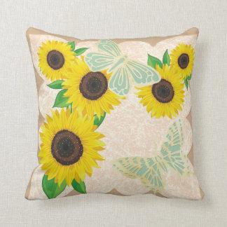 Girassóis e travesseiro decorativo das borboletas almofada