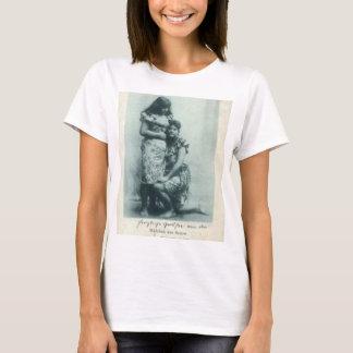 Girls%20from%20Samoa%20real-photo-postcard%20-1 Camiseta