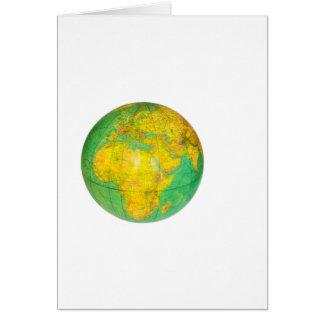 Globo com a terra do planeta isolada no branco cartão