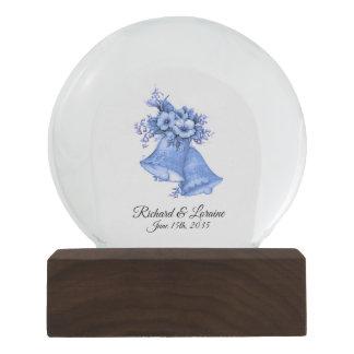 Globo De Neve Nomes e data azuis de Bels de casamento