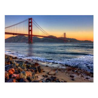 Golden gate bridge da fuga de San Francisco Bay Cartão Postal