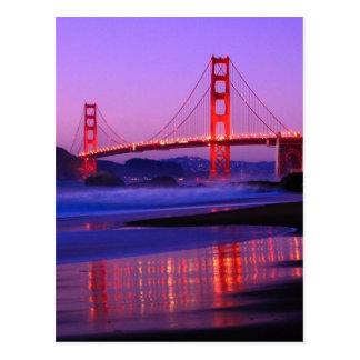 Golden gate bridge na praia do padeiro no cartão postal