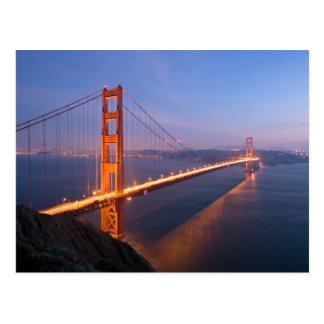 Golden gate bridge no cartão do por do sol