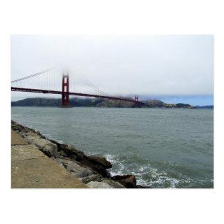 Golden Gate no cartão da névoa
