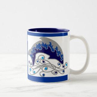 golfinho de salto caneca de café em dois tons