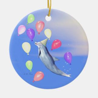 Golfinho do feliz aniversario ornamento de cerâmica redondo