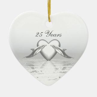 Golfinhos e coração de prata do aniversário enfeite de natal