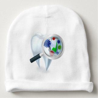 Gorro Para Bebê Conceito das bactérias da lupa do dente
