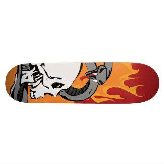 Gráfico do cobra e do crânio shape de skate 19,7cm
