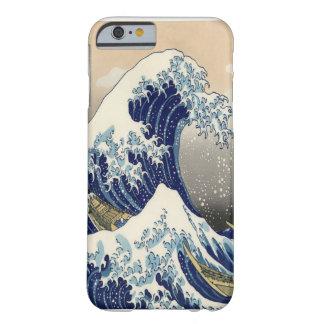 """Grande 葛飾北斎 """"神奈川沖浪裏"""" das belas artes da onda capa barely there para iPhone 6"""