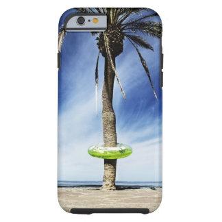 Grande palmeira em um Sandy Beach com inflável Capa Tough Para iPhone 6