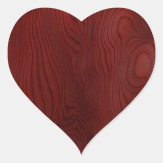 Grão de madeira escura adesivos em forma de corações