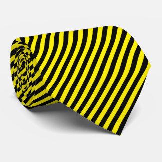 Gravata A listra do Pin preta e amarela a cor do fundo de