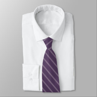 Gravata ameixa roxa na moda das riscas do lilac ou ALGUMA