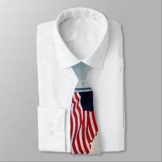 Gravata Bandeira esfarrapada nos ventos da mudança