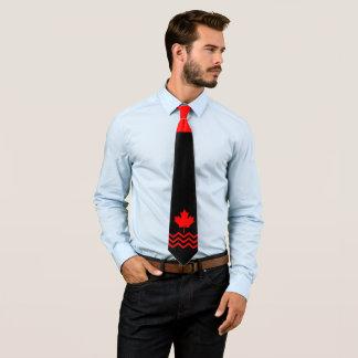 Gravata Bordo vermelho canadense no preto com Chevron
