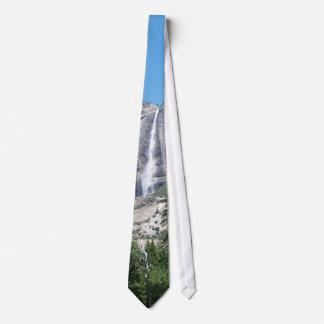 Gravata Cachoeira de Yosemite