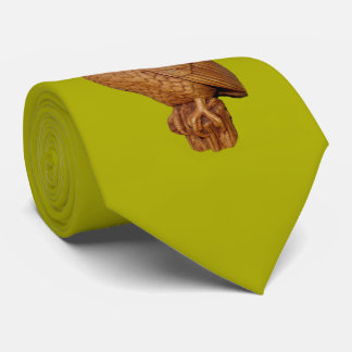 Gravata coruja marrom considerável