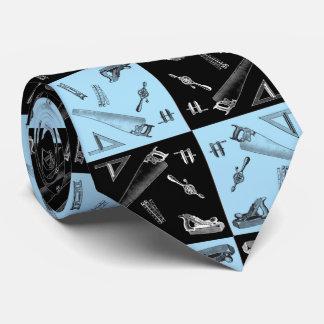 Gravata Ferramentas da carpintaria em azulejos azuis e