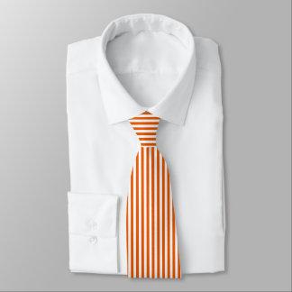 Gravata Laço branco alaranjado fino das listras verticais