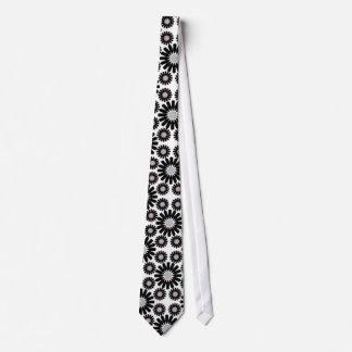 Gravata laço preto e branco retro do teste padrão de flor
