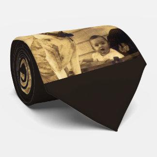 Gravata o pitbull do 1920 guarda o bebê