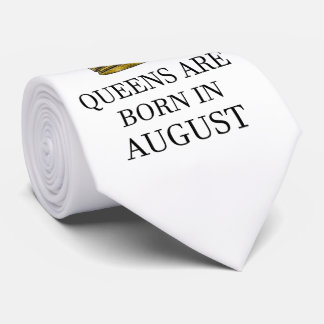 Gravata O Queens é nascido em agosto