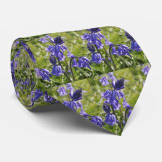 Gravata Os homens amarram com design dos bluebells