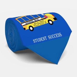 Gravata Pais + Professores = sucesso do estudante