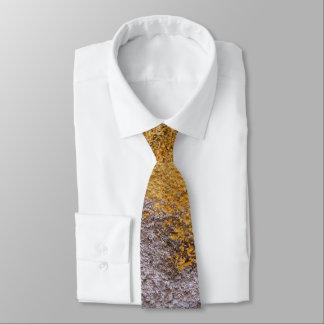 Gravata Parede amarela cinzenta crua áspera da construção