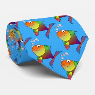 Gravata Peixe dourado alegre bonito no mar, luz - azul