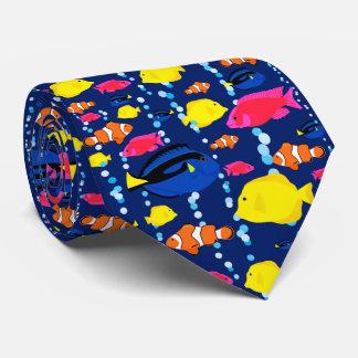 Gravata Peixes e bolhas tropicais coloridos do