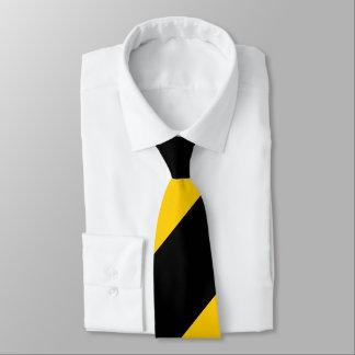 Gravata Preto e listra regimental larga amarela dourada