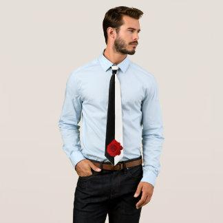 Gravata Rosa vermelha na metade preto e branco e meio