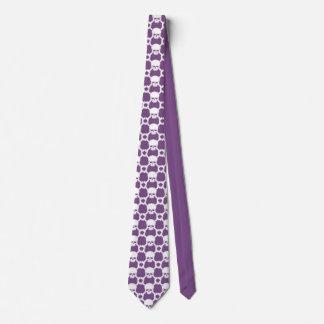 Gravata roxa com crânio e Crossbones