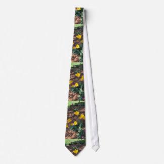 Gravata tipo colorido amarelo flores da tulipa no