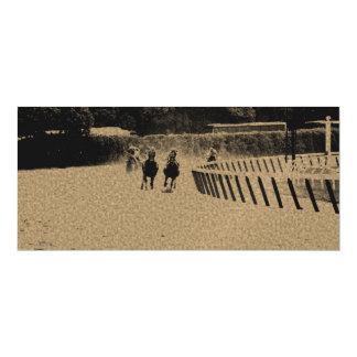 Grunge enlameado da trilha da corrida de cavalos