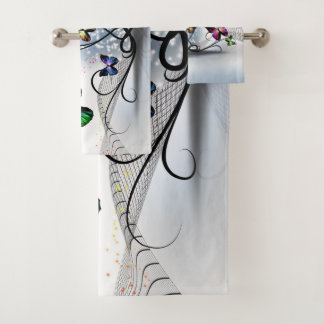 Grupo colorido de toalha do banheiro das