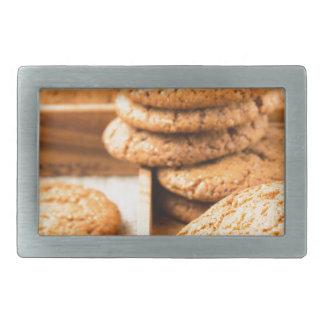 Grupo de biscoitos de farinha de aveia na bandeja