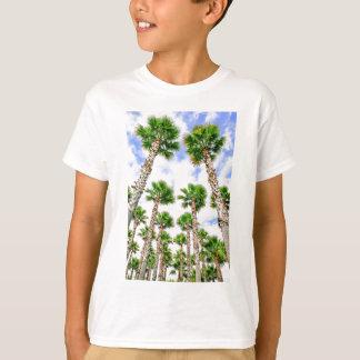 Grupo de palmeiras retas altas camiseta