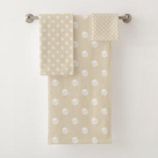 Grupo de toalha do banheiro do teste padrão da