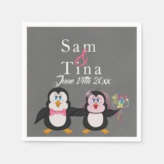 Guardanapo bonitos do casamento do pinguim & do