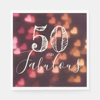 Guardanapo De Papel 50 e fabuloso. Aniversário. Corações vermelhos