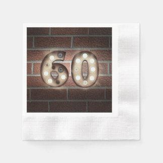 Guardanapo De Papel 60th sinal do famoso do aniversário na parede de